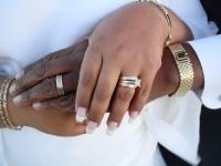 Hands_in_love