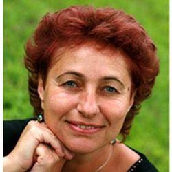 DeAnna Lam250