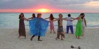 Circle-on-Beach-2006-e1343280454380-320x160